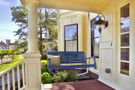 porch swing in newburyport