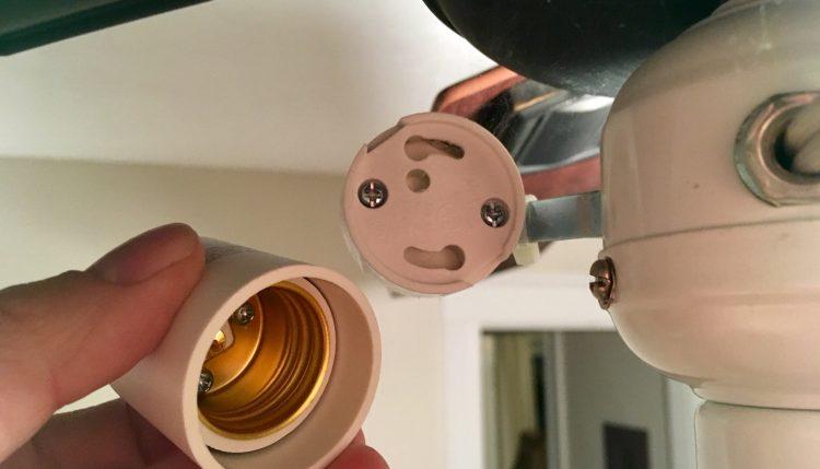 two prong light bulb adapter GU24 to E27 light bulb adapter
